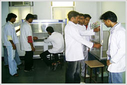 Ram Gopal College of Pharmacy Lab